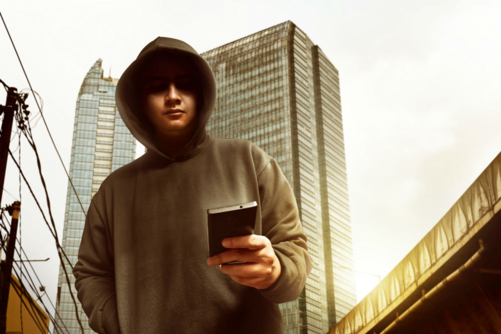 How to Hack Cellphones to Get Free Service